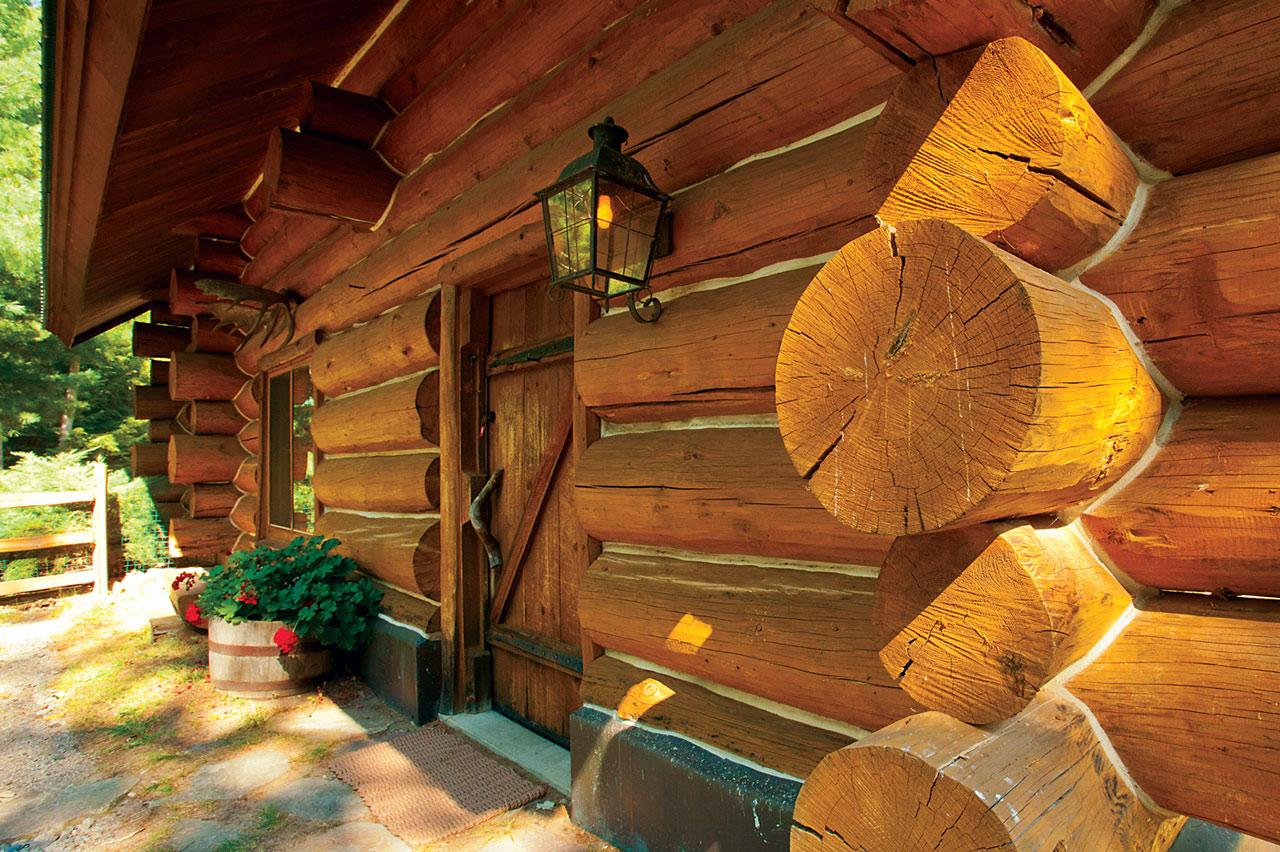 Rainbow Lake Waterfront Lodge