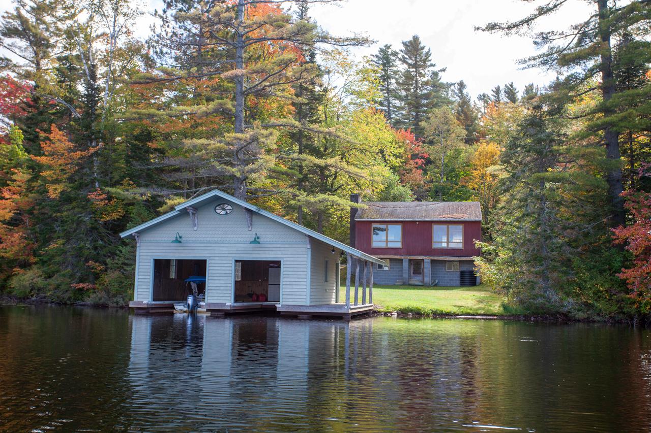 Horseshoe Pond Waterfront Property